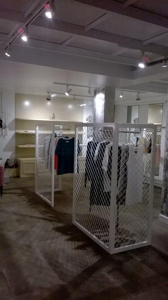 Spade, κατάστημα ρούχων, Βόλος - 2